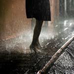 У фотографа есть два способа запечатлеть этот мир: с одной стороны, он может запечатлеть его ужасы, с другой – очистить его. Вот, к примеру, Вилли Ронис выбрал второй путь. Ему нравится то, как дождь, снег и «плохая погода» ...