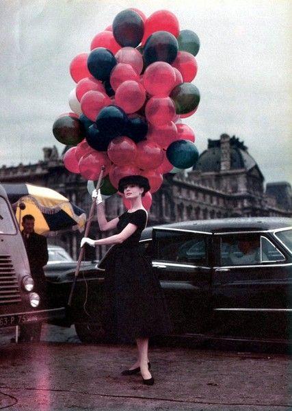 Audrey: Paris, Fashion Icons, Audrey Hepburn, Styles Icons, Audreyhepburn, Funnies Faces, Little Black Dresses, Balloons, Red Black
