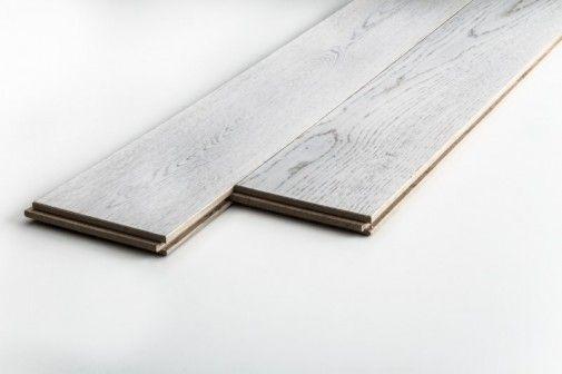 Drewniane podłogi zawsze są na czasie. W tym roku najmodniejszy design to intensywne i wyraziste wybarwienia.  http://sztuka-wnetrza.pl/1954/artykul/jaka-wybrac-podloge