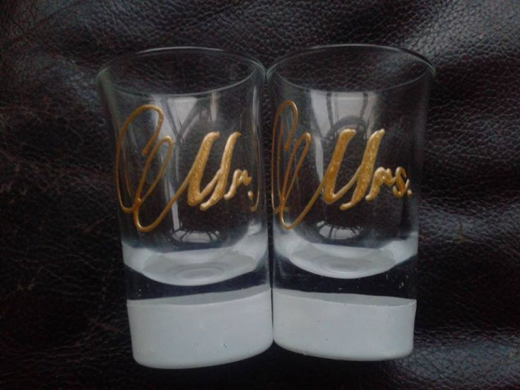 Enter to win: 12 DAYS OF CHRISTMAS - DAY 4 - Mr and Mrs Glasses | http://www.dango.co.nz/s.php?u=hw9uQISo2876
