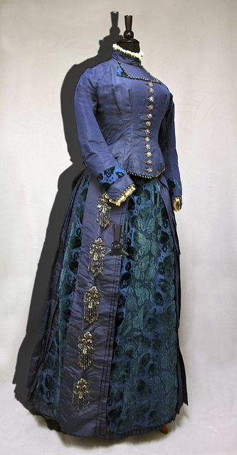 Blue cut-velvet wedding dress, 1885.  Women of New England: Dress from the Industrial Age, 1850–1900. (William Benton Museum of Art - Press Images)