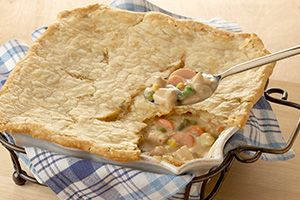 This comforting pot pie recipe is a great way to make use of holiday leftovers. @DinnerByDesign