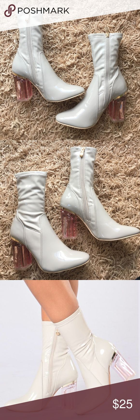 Brand New Patent Heeled Boots ✨✨ grey patent heeled boots! very cute and comfy. size 7. true to size. from online store fashion nova, do not fit me. never worn before. brand NEW with zero flaws! Fashion Nova Shoes Heeled Boots