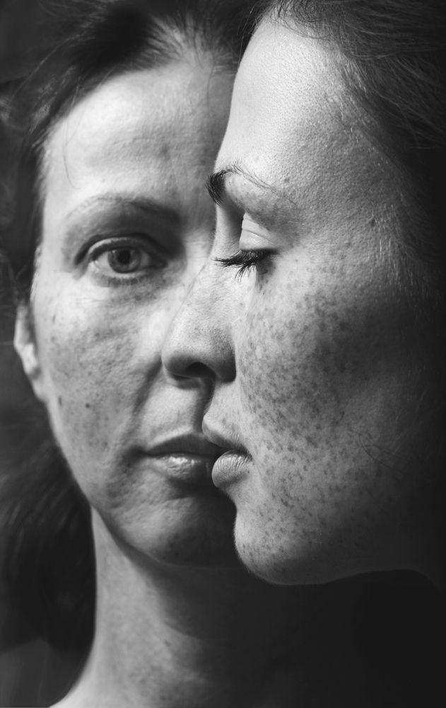 двойной портрет - Мать и дочь