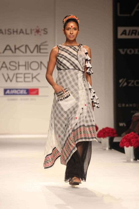 #IndianFashion : Soumitra Mondal Show at LFW Summer Resort 2013