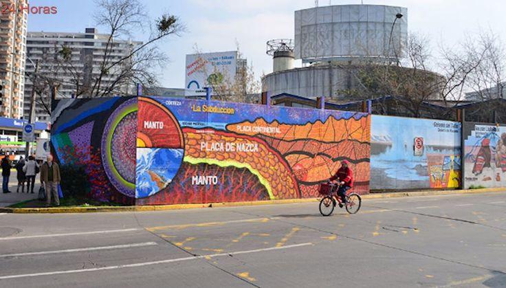 Geólogos y artistas urbanos crean primer mural científico de Santiago
