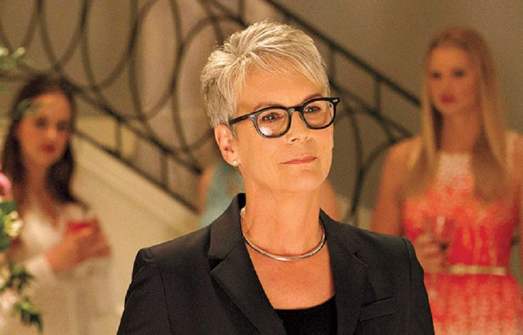 Jamie Lee Curtis recreates Psycho Shower Scene in Scream Queens