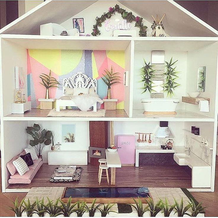 Best 25 modern dollhouse ideas on pinterest dollhouse for Dollhouse mural