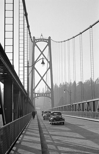 [Cars and pedestrians on the Lions Gate Bridge] | Flickr - Photo Sharing!