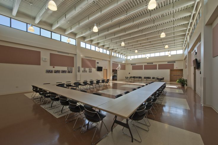Natural lighting is brought in through clerestories in the meeting room of Spotsylvania County Schools Maintenance Headquarters (Virginia) / Peck Peck and Associates (Eric Taylor Photography) #sustainable #virginia #architect  #localgov #ppa #spotsylvania