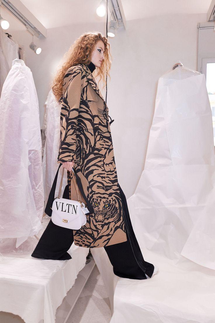 Valentino Pre-Fall 2018 Collection - Vogue