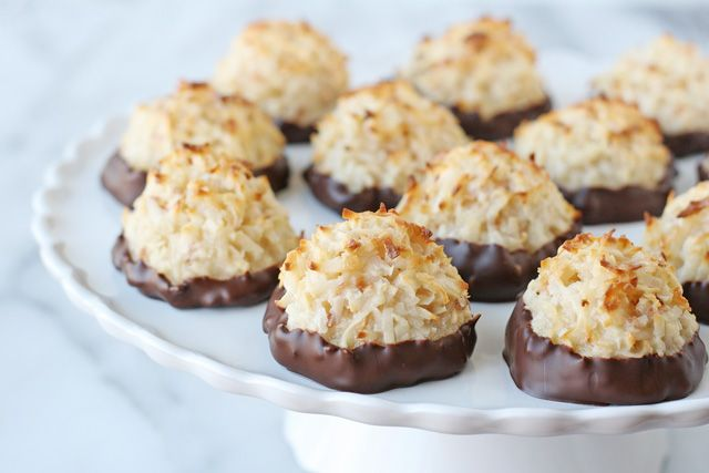Coconut Macaroons Recipe - glorioustreats.com