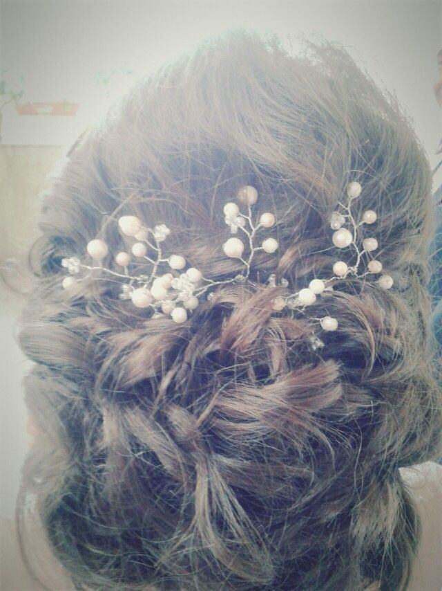 Bridal hairstyle and accesories from #AndaHandMade