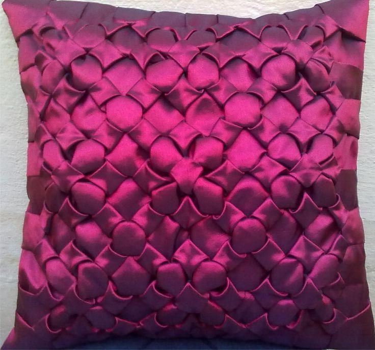 capa de almofada em tafetá Oxford ou cetim. Pode ser feita em outras cores & 28 best Capitone!!!! images on Pinterest | Canadian smocking ... pillowsntoast.com