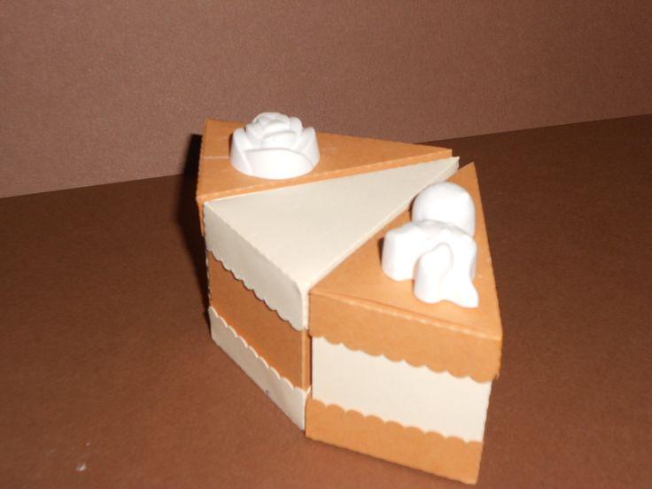Torta bomboniera con fette in cartoncino