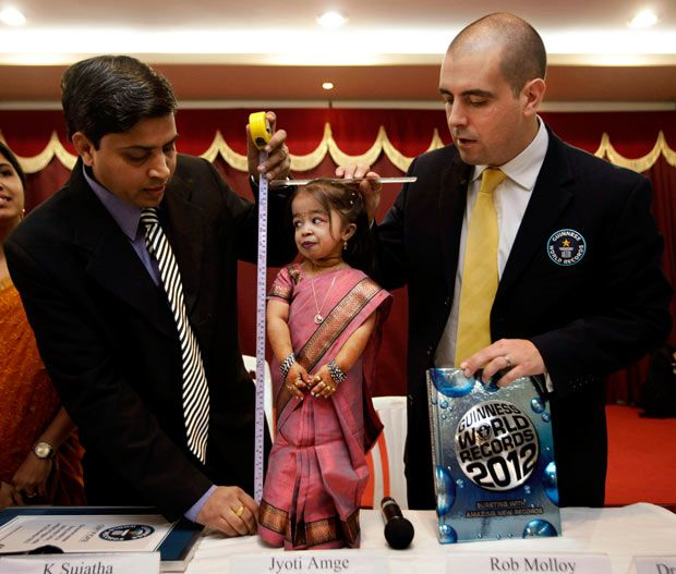 World's shortest woman 55cm!! 19 years-old!!