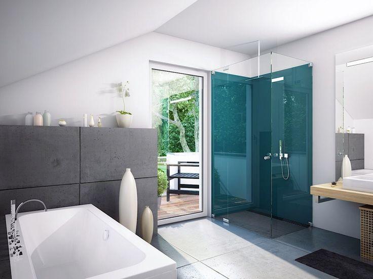 Modernes Badezimmer mit Dachschräge, Badewanne