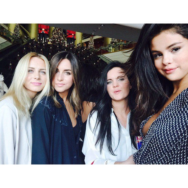 Pin for Later: This Week's Cutest Celebrity Candids  Selena Gomez hung out with friends.