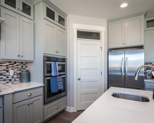 Best 25 l shaped pantry ideas on pinterest l shaped for Kitchen layout with corner pantry