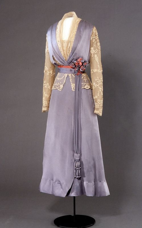 Dress: ca. 1914-1915, British, silk (satin, plain-weave, tulle), lace applications.