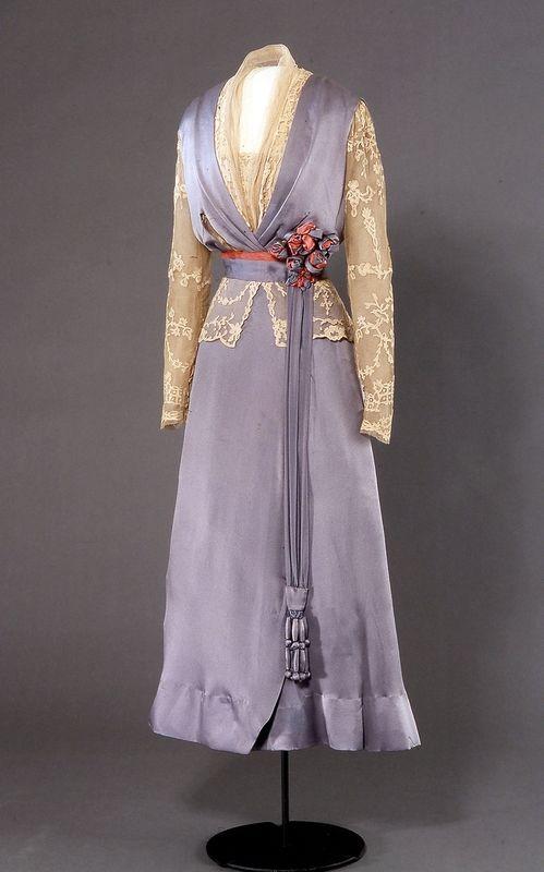 Dress 1914-1915 Nasjonalmuseet for Kunst, Arketektur, og Design