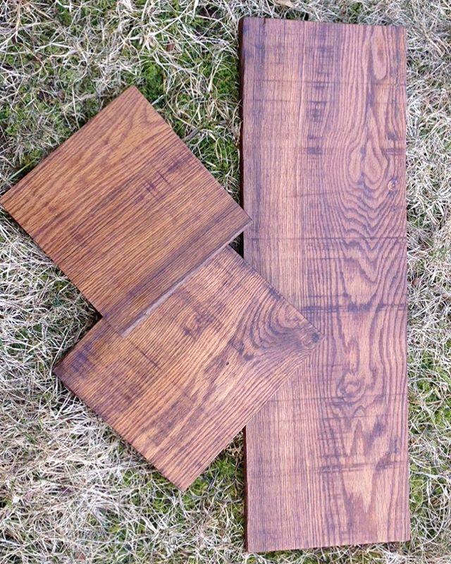 Rustikke skjærebrett i en planks heltre eik