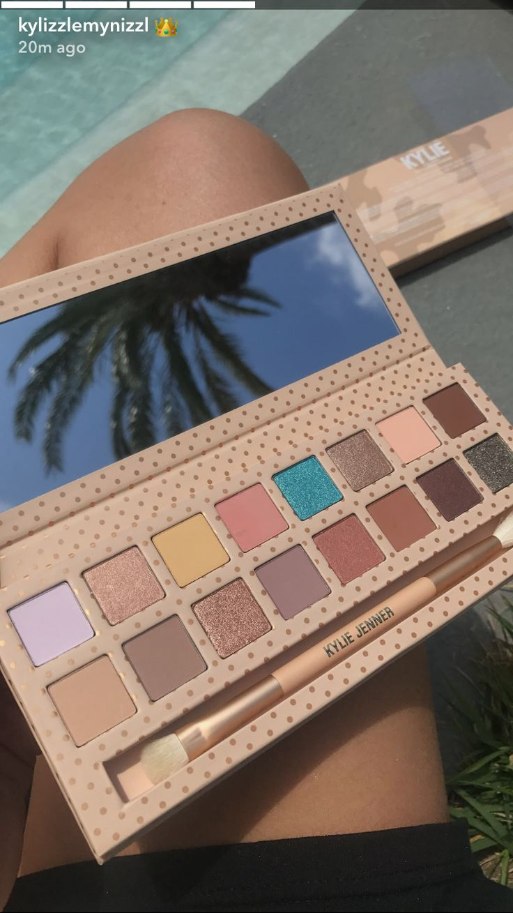 Kylie Jenner 'Take Me On Vacation' eyeshadow palette