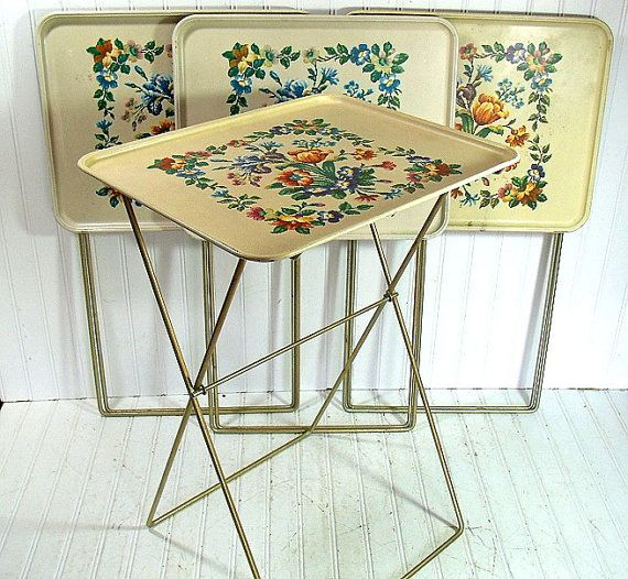 Superior Vintage Early NeedlePoint Style Litho Metal Tray Tables Set Of 4 Withu2026