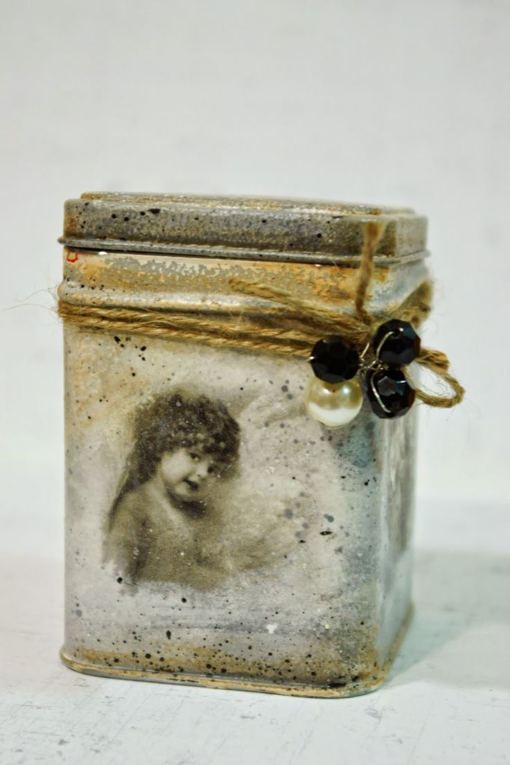 upcycling !!! pudełko na herbatę decoupage zrobione ze starej puszli po cukierkach  upcycled old can into lovely tea box