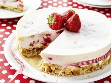 Plattekaastaart met aardbeien