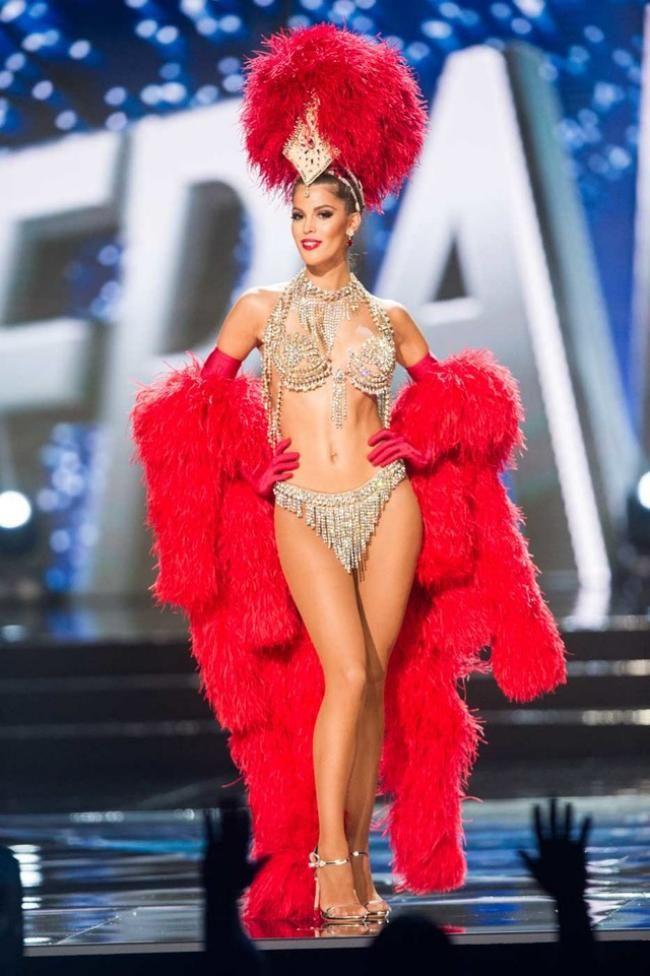 Iris Mittenaere Miss Universe Candidate in National Costume / http://vogue.com.tr/haber/naomi-campbell-ile-gapte-90lar-ruzgari?utm_content=bufferf8252&utm_medium=social&utm_source=plus.google.com&utm_campaign=buffer
