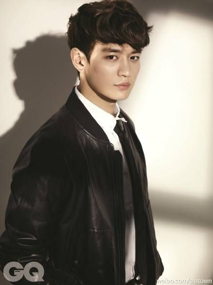SM Entertainment revealed a preview shot from SHINee Minho's photo shoot with 'GQ'