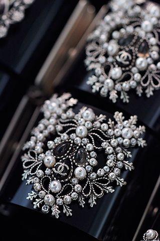 DÉCISION DE LA PRESSE - Chanel Nouvelles - nouvelles de la mode et sous les traits de la scène