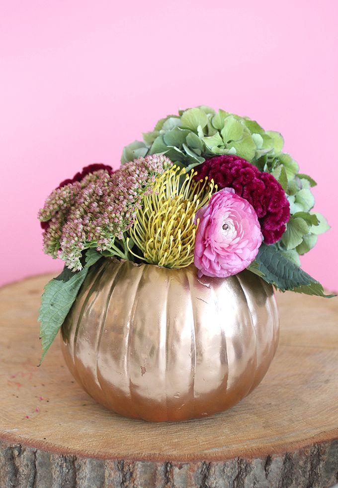 » HOLIDAY DIY | Metallic Pumpkin Floral Centerpiece