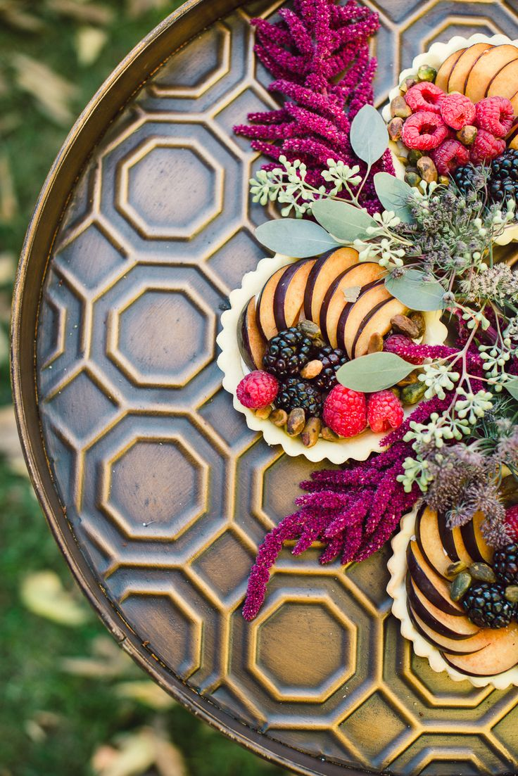 Darling tarts - www.theperfectpalette.com - Lori Kennedy Photography + Embellish Productions, florals by Lace and Lilies