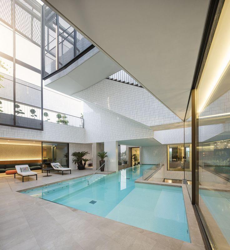 Gallery of Three Gardens House / AGi architects - 8