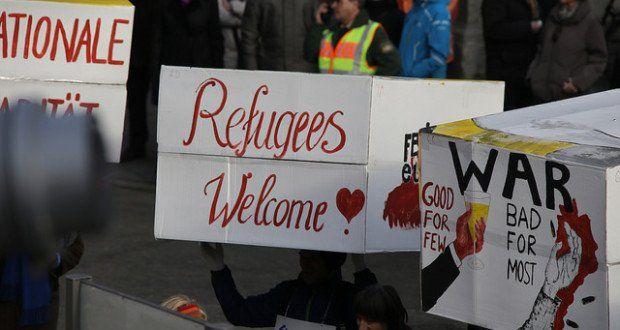Heute vor einem Jahr gab es massive Übergriffe von diversen Zuwanderern auf Frauen in Köln, Hamburg und anderen deutschen Städten. Das muss nicht sein. Ihr könnt das ändern! Ihr habt es in der Hand!