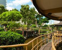 Floating Pagoda Restaurant, Honolulu, HI