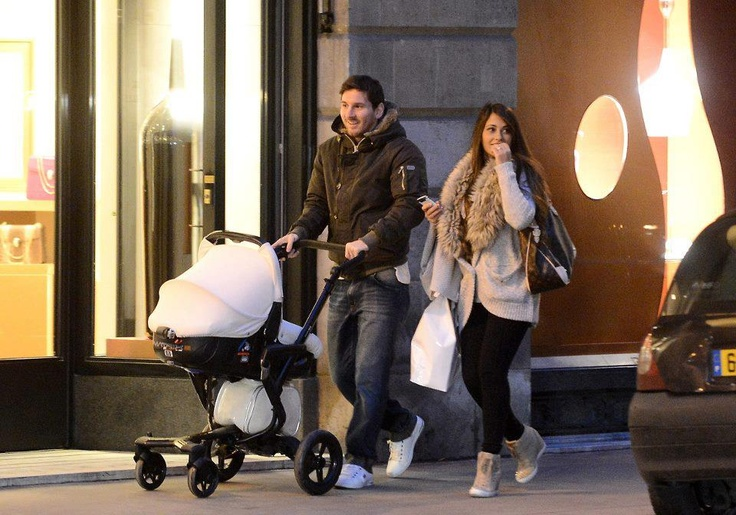 Todays Events: Messi and his family in Paris