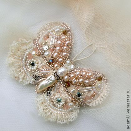 Handmade brooches.  Fair Masters - handmade white butterfly brooch with lace and pearls (reserve).  Handmade.