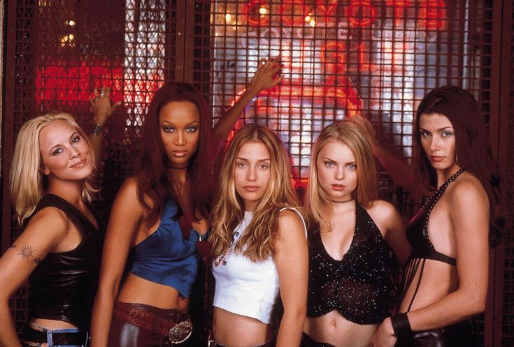 Tyra Banks, Iszabella Miko, Bridget Moynahan and Piper Perabo in Coyote Ugly