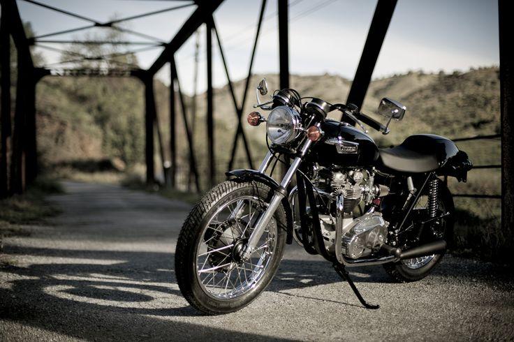 Triumph Bonneville T120 - 1974, http://www.mjhperformancebikes.com/es/transformacion-de-moto-triumph-bonneville-t120-1974/