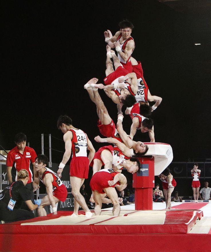 日本のエース内村航平(28=リンガーハット)が、左足首を負傷して途中棄権し、個人総合で7連覇を逃した。2種目目の跳馬の着地で痛め、4種目目の鉄棒以降を棄権。… - 日刊スポーツ新聞社のニュースサイト、ニッカンスポーツ・コム(nikkansports.com) #体操 #内村航平 #日刊スポーツ