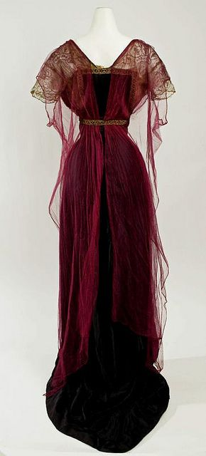 I completely adore the rich burgundy hue of this elegant Edwardian evening gown, 1912-14.