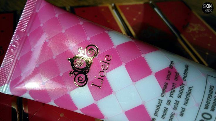 Lioele BB Cream Triple The Solution SPF30 PA++ Una de las BB Cream mas famosas de Lioele. Alta cobertura y acabado natural, se absorbe rápidamente por la piel dejando un acabado suave.Cubre perfectamente manchas, imperfecciones, pecas, arrugas. Con protecciónsolar SPF 30 PA++ Al oxidar se adapta perfectamente a distintos tonos de piel. Larga duración, no se oscurece a lo largo del día. Con control de grasa…