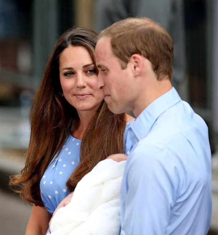 Royal baby news: Kate and William present newborn son to the world on famous steps of Lindo Wing - Mirror Online