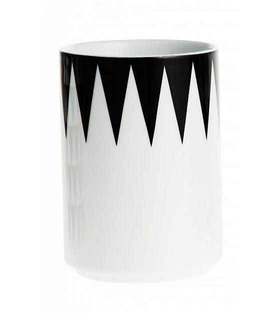 Ferm Living Tasse Geometry aus Porzellan, schwarz/weiß, 7x10cm - lefliving.de