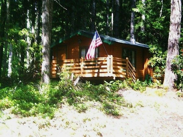 384 sq ft tiny cabin for sale 0001 600x450   384 Sq. Ft. Tiny Cabin For Sale with Land