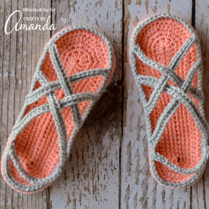 Estas sandalias de ganchillo para las mujeres son perfectas para los días cálidos de primavera y verano, cuando prefiere no estar descalzo, pero los calcetines son demasiado caliente.