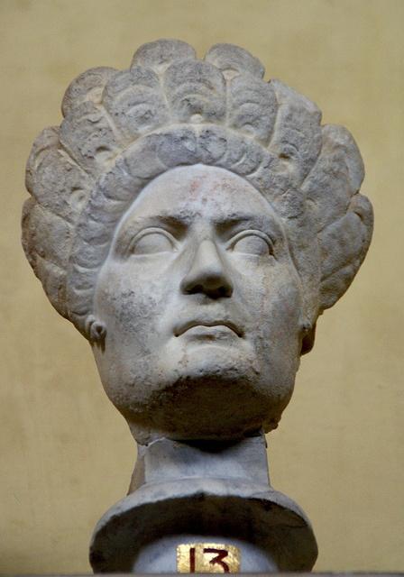 Vatikanische Museen, Museo Chiaramonti, Frisurenmode im alten Rom 1. Jh. n. Chr. (antique Roman hair style 1st century A.C.)